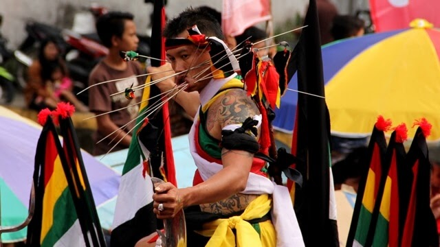 Pawai Tatung Singkawang / Foto : mbahdinan.com