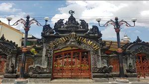 Unik, Masjid di Bali Ini Mirip Pura